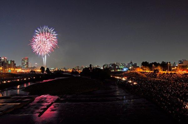 豊平川花火大会の河川敷